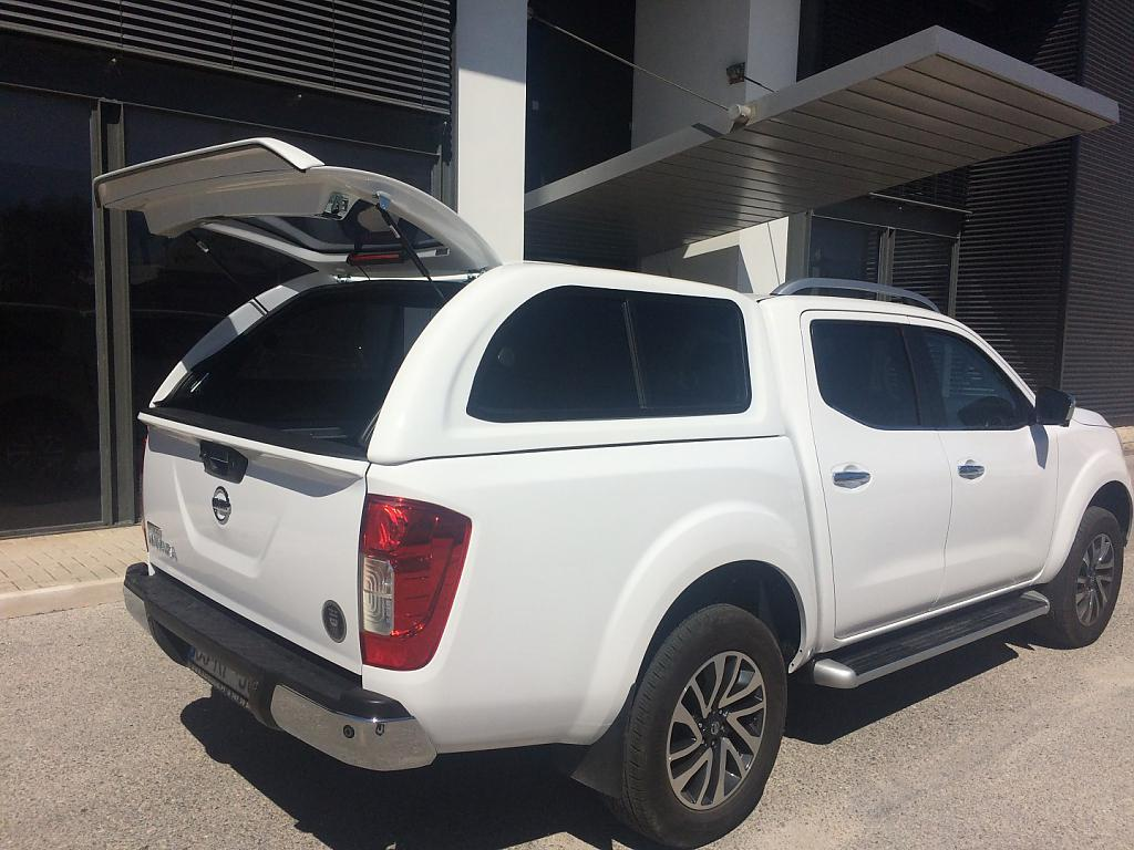 hard top nissan navara d23 np300 spoilercentrum online tuning shop. Black Bedroom Furniture Sets. Home Design Ideas